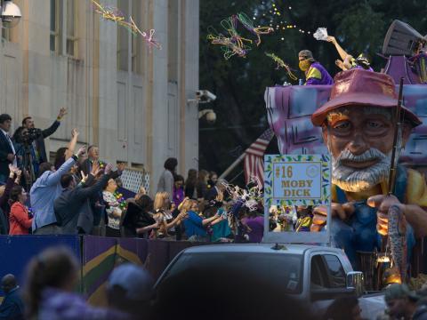 Moby Dick feiert Mardi Gras