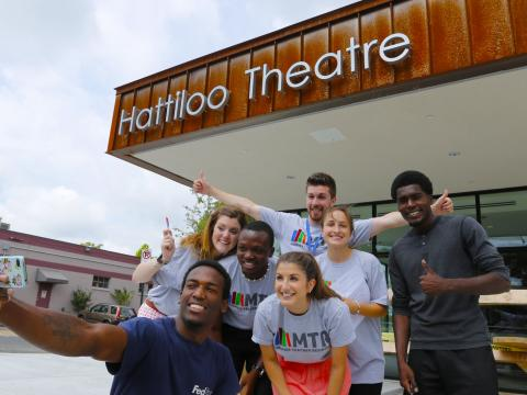Gruppen-Selfie vor dem Besuch des Indie Memphis Film Festivals