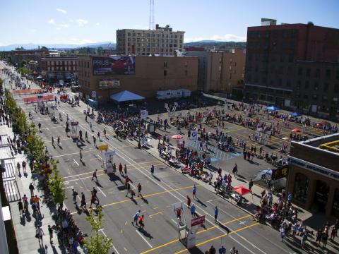 Basketballfelder in der Stadt beim Spokane Hoopfest