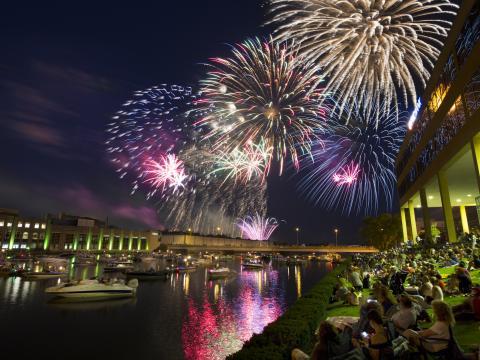 Spektakuläres Feuerwerk am 4.Juli