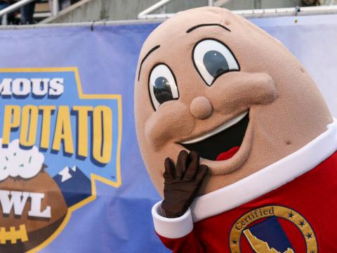 "Maskottchen des College-Footballturniers ""Famous Idaho Potato Bowl"" in Boise"