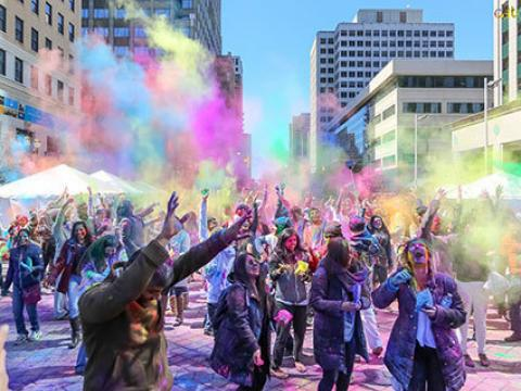 Die farbenfrohe Holi Hai Indian Celebration