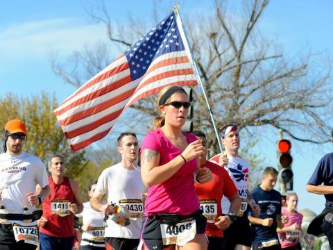 Läufer beim jährlichen Marine Corps Marathon