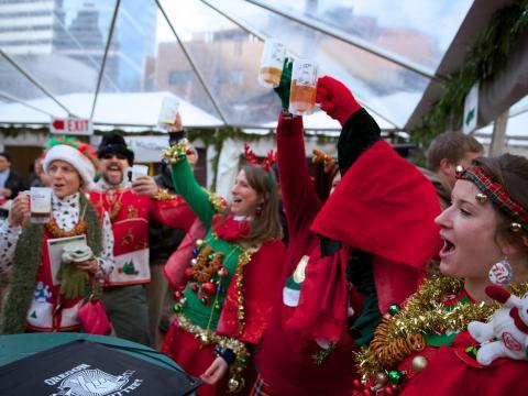 Ein Toast auf die Feiertage beim Holiday Ale Festival in Portland