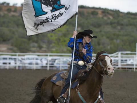 Startsignal für das Ute Mountain Round Up Rodeo