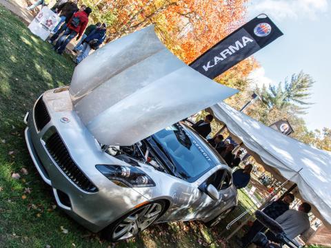 Die neuesten Automodelle und Fahrzeugtechnologien auf der Northwood International Auto Show