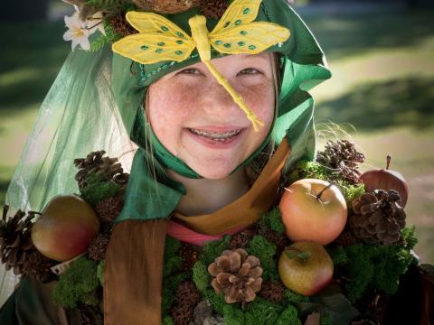 Kostümierte Besucherin des Fairy House Festivals