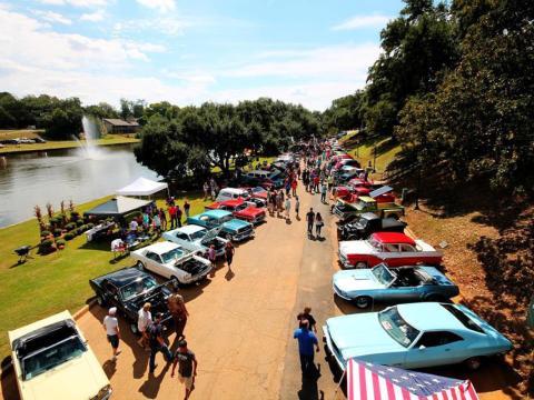 Die Natchitoches Car Show beeindruckt mit Oldtimern und anderen Schönheiten