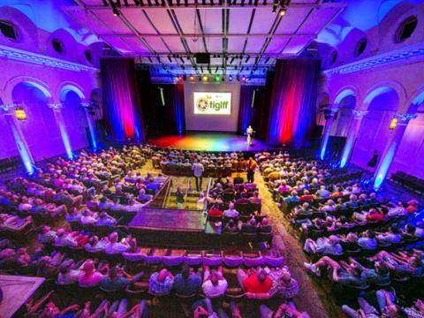 Ausverkauftes Haus beim Tampa International Gay+ Lesbian Film Festival