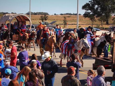 Parade beim Louisiana Fun and Wildlife Festival in Cameron