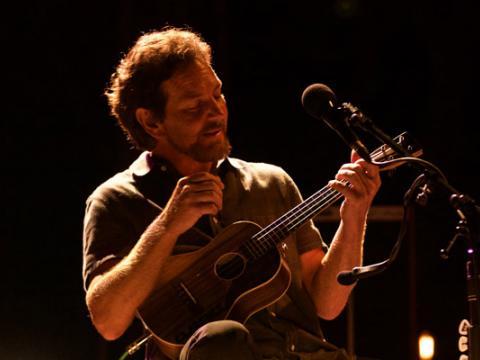 Live-Auftritt von Eddie Vedder auf dem Ohana Music Festival in Dana Point, Kalifornien