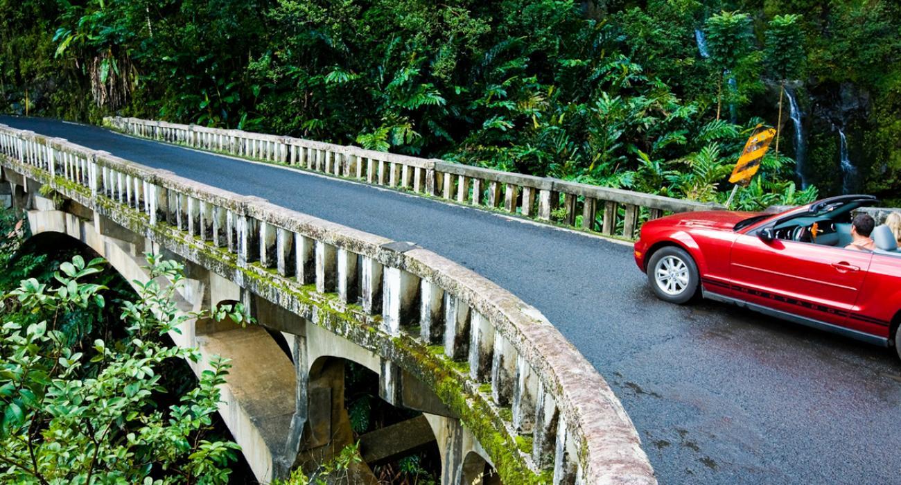 "Highway ""Road to Hana"" | Visit The USA"