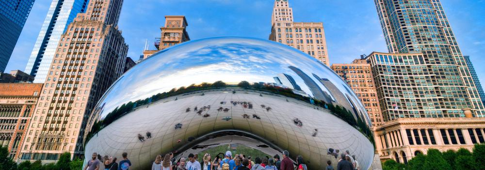 Die Skulptur Cloud Gate in Chicago, Illinois